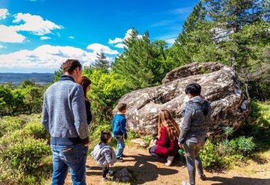 famille dolmen prieuré