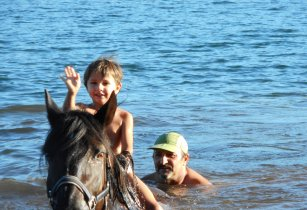 Centre lodévois salagou baignade cheval